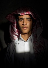 Walking into the light - Saudi Arabia (Eric Lafforgue) Tags: arabia saudiarabia ksa saudiarabien arabie arabiasaudita kingdomofsaudiarabia   arabiesaoudite   suudiarabistan arabsaudi   saoediarabi arabiasaudyjska    ksa1082