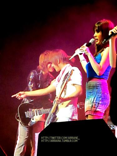 Naughty Seunghyun and Jaejin