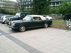 Rolls-Royce Corniche II Drophead Coupé (German-Carspotter) Tags: auto street black beautiful beauty car germany deutschland amazing nice power fast convertible rollsroyce spot awsome exotic ii corniche stunning düsseldorf cabrio rare find supercar schwarz duesseldorf coupé sportscar königsallee wagen koenigsallee sportwagen drophead selten strase rollsroycecorniche dropheadcoupé cornicheii germancarspotter rollsroycecornicheiidropheadcoupé