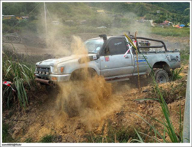 Toyota Hilux LN106 Kundasang