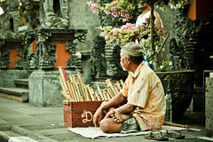 IMG_0670 (Michelan Francis) Tags: people bali dog history buildings temple culture tanalot