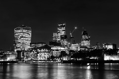 The Lights Of The River Thames (stein.anthony) Tags: gb architecture architektur monochrome cityscape cityhighlight bw sw schwarzweis stadt london themse england nachtaufnahme spiegelung reflexion reflections licht lights
