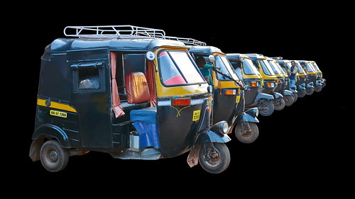 India - Karnataka - Gokarna - Auto Rickshaws - 2d