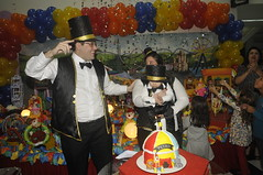 "Festa de Aniversário • <a style=""font-size:0.8em;"" href=""http://www.flickr.com/photos/148397501@N04/32958272552/"" target=""_blank"">View on Flickr</a>"
