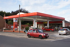 Total, Tadcaster North Yorkshire. (EYBusman) Tags: ford station night focus day nissan yorkshire north gas petrol gasoline total micra filling stations tadcaster excellium eybusman