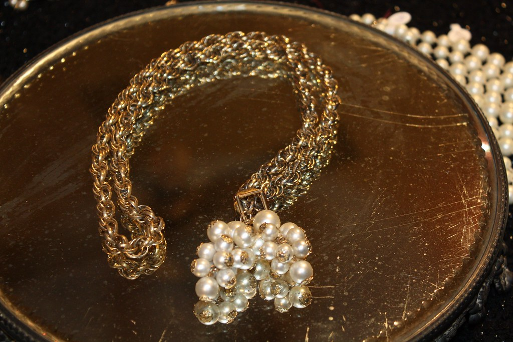 1960's Gold Chain Necklace with Pearl Tassels - 1
