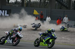 motorcrash...2 bikers falling (Noeky1980 Photography) Tags: canon photography fotografie crash motorcycle motor tt dslr circuit assen ttassen nuray spiegelreflex 400d canon400d noeky noeky1980 paasrace nuray1980 noeky1980photography