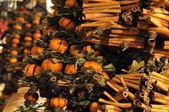 Budapesti advent (anuwintschalek) Tags: winter night dark handicraft evening abend hungary december advent cinnamon christmasmarket ungarn 2009 dunkel kaneel talv christkindlmarkt zimt htu ksit handarbeit ungari adventmarkt 18200vr pime nikond90 jululaat