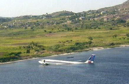 4194466722 ab109b6220 o Foto Berbagai Macam Kecelakaan Pesawat