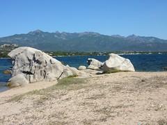 Entre Saline Soprane et Sottane, des pointes rocheuses devant le massif de Cagna