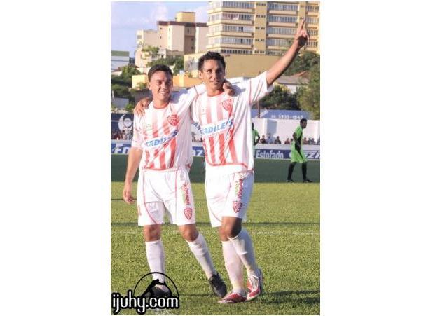 Eraldo (D) saltou de três para sete gols. Crédito: Ijuhy.com/reprodução