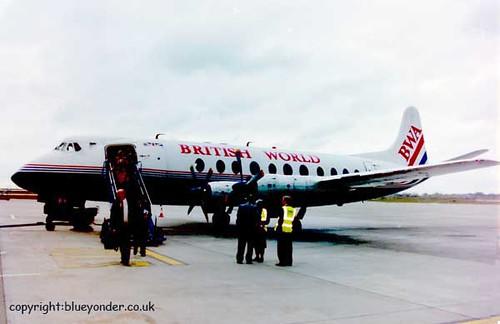 Viscount's farewell flight hits a snag  PICT0089x