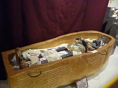 Fort Myers Historical Museum (garynet) Tags: history gold king florida tomb seminoles egypt exhibit indians crackers tut relics tutankhamun fortmyers historicalmuseum travelingexhibit caloosa