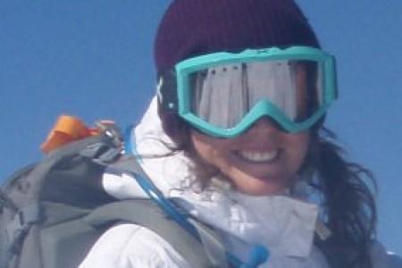 Na šumavském Špičáku učí lyžovat Američanka