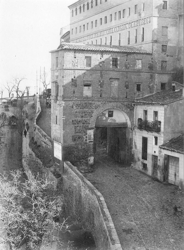 Puerta de Alarcones a comienzos del siglo XX. Foto Rodríguez