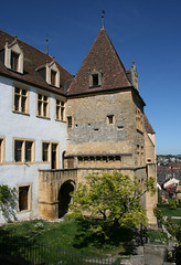 2009.05.07.171 NEUCHATEL - Le château (alainmichot93 (Bonjour à tous - Hello everyone)) Tags: castle suisse schloss castillo neuchatel chteau cantondeneuchatel leuropepittoresque châteaudeneuchatel