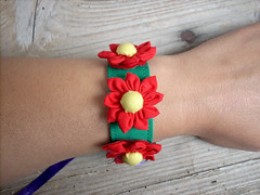3 Little Daisies Fabric Flower Cuff D (Flowerpot Design) Tags: christmas flowers flower bijoux birthdays mothersday hairband hairaccessories costumejewelry hairclip easterflowers flowerring handmadejewelry flowerbracelet pearlring handmadeflowers fabricflowers flowergift girlsbirthdays fabricflower eastergift fabricjewelry flowerhairclip handmadebracelet fabricring handmadegift floralring handmadering floraljewelry fabricbracelet flowerjewelry floralhairclip handmadehairaccessories flowerhairband handmadehairclip floralbracelet handmadecuff floralgift flowerhairaccessories costumering floralhairaccessories handmadebijoux fabricflowerbracelet fabricflowerjewelry bijouxjewelry scrapfabricjewelry womensbirthdays scrapfabricring scrapfabricflowers scrapfabriccuff sccrapfabricbracelet floralpearlring bijouxring floralhairband fabrichairband fabrichairaccessories