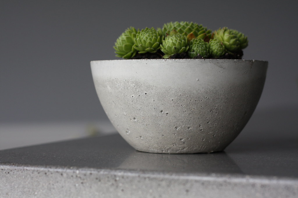 how to make a concrete mold of something