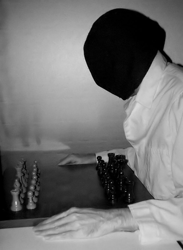 Blind Chess Player