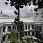 Quito: patio sur del Centro Cultural Metropolitano
