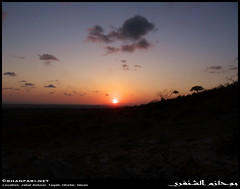 Sunset in Taqah, Dhofar (Shanfari.net) Tags: sunset sun mountain mountains nature lumix raw natural panasonic oman fz sunray jebel jabal salala zufar rw2 salalah sultanate dhofar  khareef      dufar  taqah     governate ashoor  dhufar dofar fz38 fz35 dmcfz35   thofar thufar