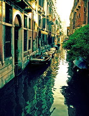 Canal Reflections (albireo 2006) Tags: italien venice italy reflection building water wow canal italia historic acqua venise venezia venedig italie canale  veneto   sanpolo    bellitalia justpentax hccity pentaxart