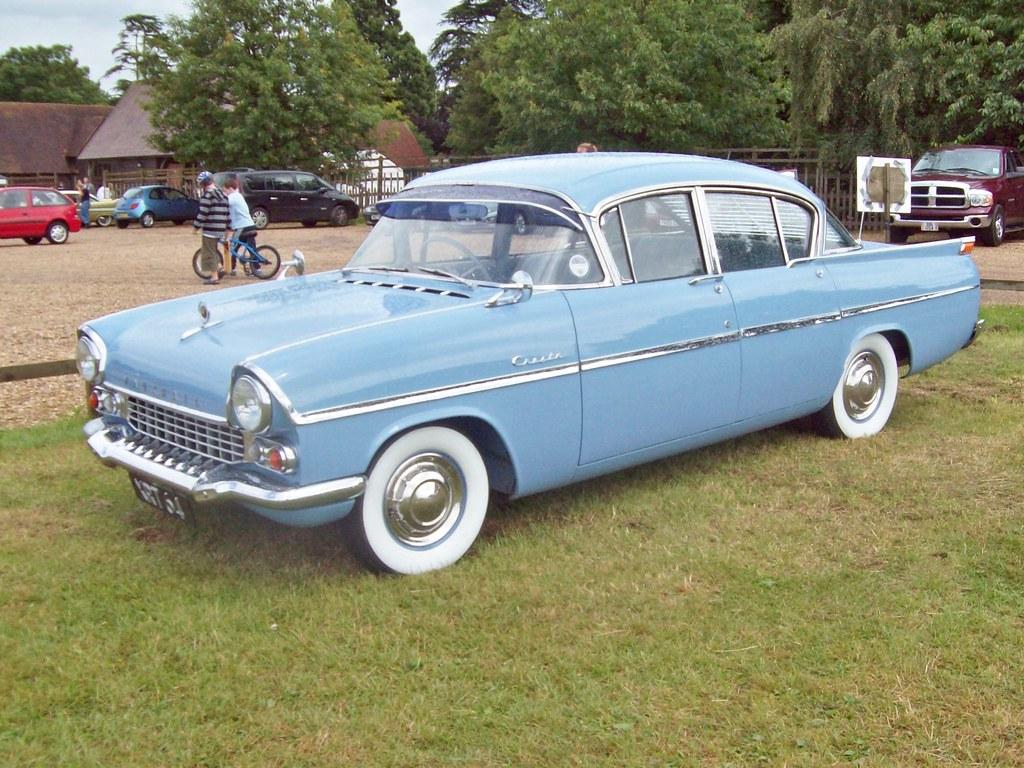 345 Vauxhall Cresta PA (1957-60)