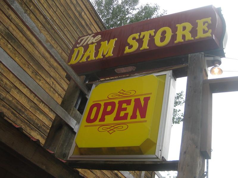 Dam Store