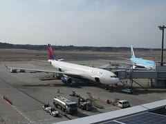 Delta (PhilaMike) Tags: tokyo airport delta narita nrt