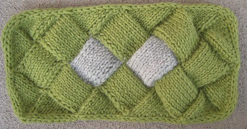 Entrelac join comparison swatch, unblocked