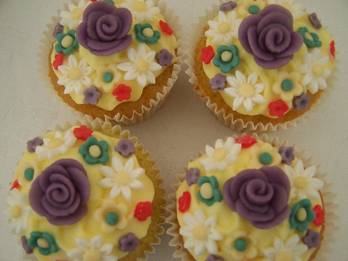 Springtime flower cupcakes