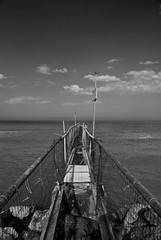 Vivere (scarpace87) Tags: life sea beach living dock rust mare time rimini story thinking polarizer tempo vasco spiaggia molo adriatic vita vivere ruggine adriatico storia vascorossi rivabella polarizzatore pensare motonave attimo istant bellarimini