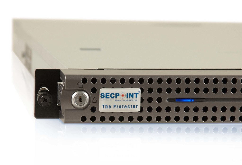 Protector-P1100-1-HighRes Protector all in one utm appliance