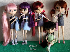 Girls at school... 13 - FIM ( Nanda ) Tags: hello pink cute green fashion twins doll nikki cousins hellokitty violet kitty melissa piercing melody pullip amigas stories fofo grape perfeito xiaofan charmosa comidinhas amorpuro rements suiseiseki souseiseki