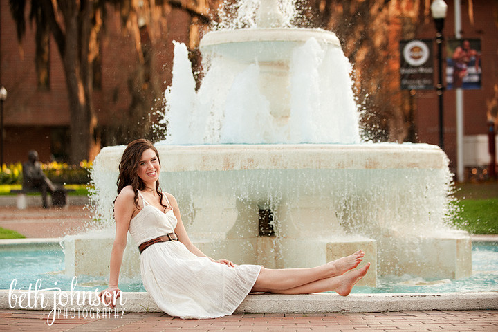 college senior graduating from fsu photography session