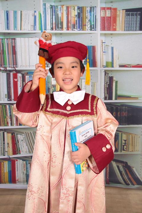 佑佑幼稚園畢業照15