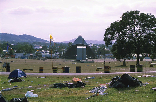Pyramid Stage / Glastonbury 2008 by BeccaG