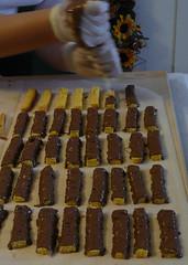 pan di spagna ricoperto cioccolato