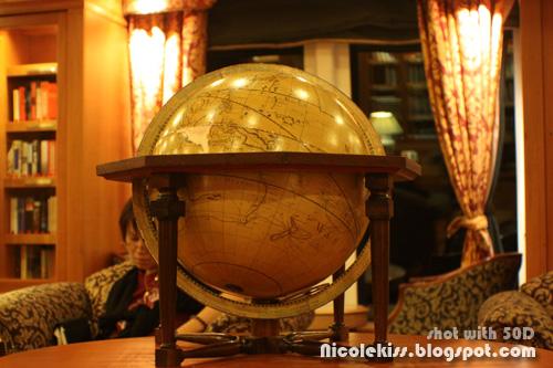 library globe
