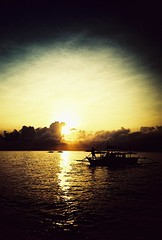 panglao sunrise (darkcanopy) Tags: morning travel sea vacation sun color green film tourism beach analog sunrise lomo lca xpro lomography crossprocessed colours tour phil kodak lka crossprocess philippines lofi slide lomolca lightleak photograph 1984 bohol analogue ph russian cyrillic vignetting vignette  analogphotography lomograph panglao 84 lowfi compactcamera  russiancamera filmphotography elitechromeextracolor xprod omo ebx lomolove analoguephotography cyrilliclettering elitechome ka omoka russiancam