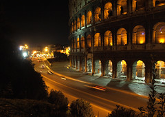 Roma by night (andreizinha) Tags: italy rome roma night work noche noite rim nuit nite italie coloseum e510
