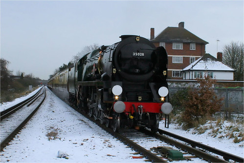 35028 Clan Line passing through Sth London