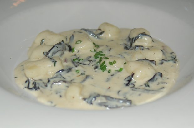 DSC_0017_potato_gnocchi_with_oregon_black_trumpet_mushrooms_thyme_butter_620