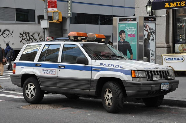 newyork manhattan financialdistrict jeepgrandcherokee protectiveservices securitycar