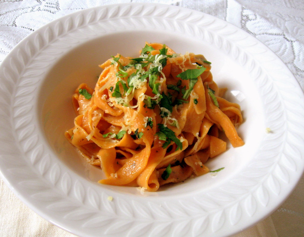 Tomato pasta in Garlic oil sauce -2