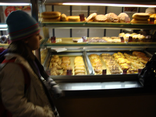 pain au chocolat, chaussons aux pomme, croissant