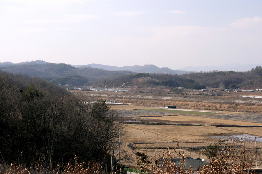 North Korea  seen far from Han's place