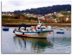 Con efecto orton (Nati C.) Tags: naturaleza paisaje galicia barcas pontedeume cruzadas roeume efectoorton