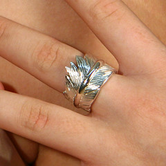 Fotos do evento Anéis. Foto numero  da designer de joias de Patricia Madeira, de Brasilia, DF, que cria colecoes de joias, aneis, brincos, pingentes, braceletes e outras joias de vanguarda.