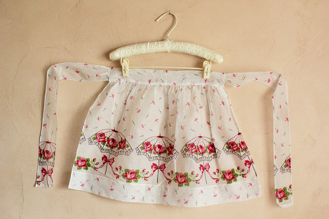 vintage umbrella apron
